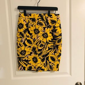 Sunflower Patterned Pencil Skirt